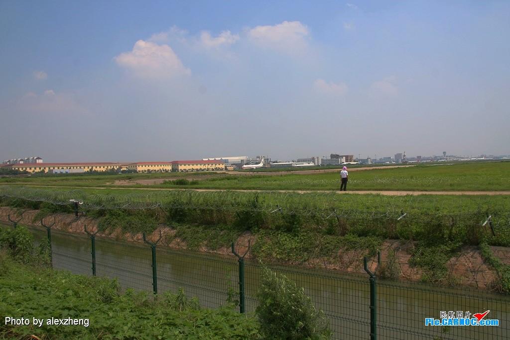 Re:[原创]烈日下的虹桥拍机 BOEING 777-200 B-2064