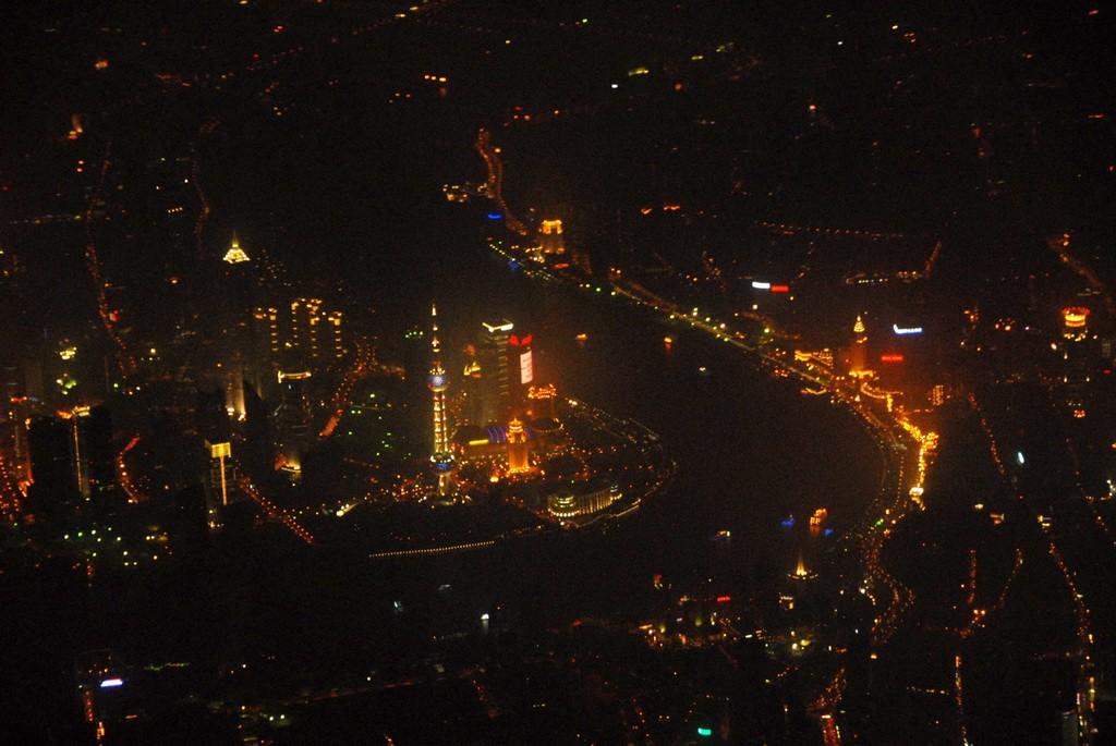 >>[原创]空中鸟瞰迷人的夜上海