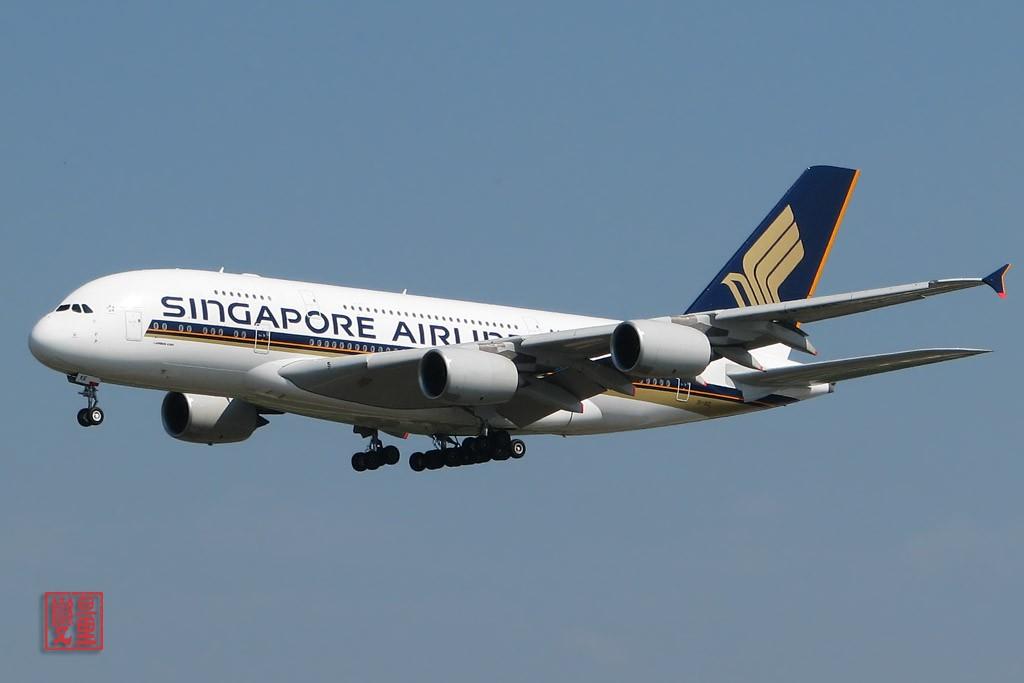 [原创]A380首航北京,我也来凑热闹!!!T3桥上相当壮观!!! AIRBUS A380 9V-SKE 中国北京首都机场