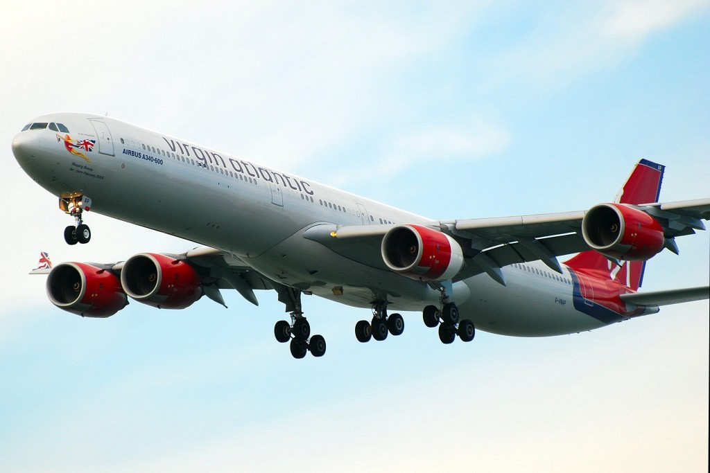 [原创]香港机场影飞机 AIRBUS A340-642 G-VNAP 香港