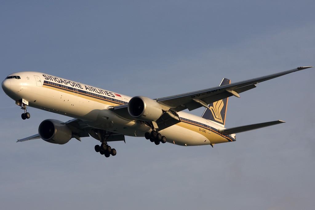 Re:[原创]貌似网络正常了,发几张热身一下 BOEING 777-300ER 9V-SWL 新加坡樟宜机场