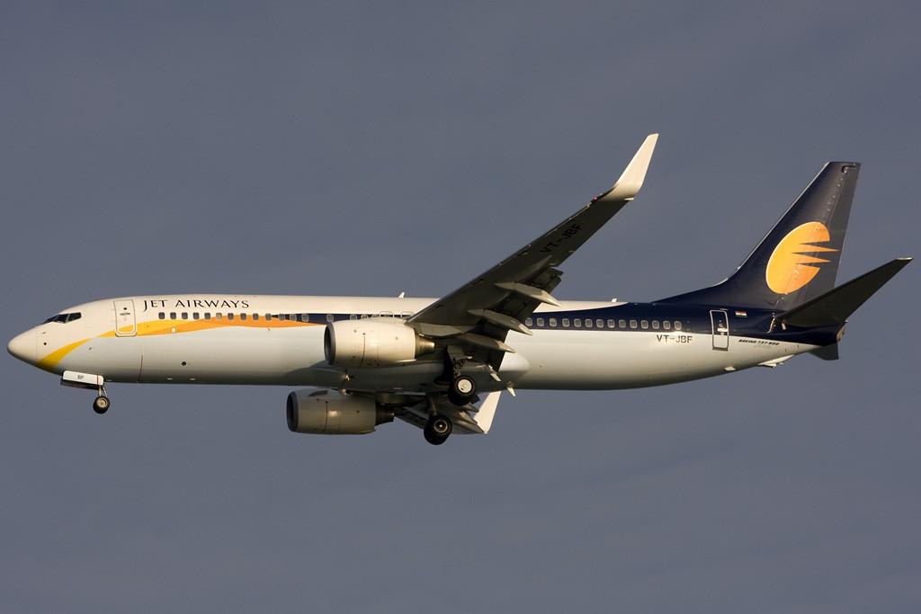 Re:[原创]貌似网络正常了,发几张热身一下 BOEING 737-800 VT-JBF 新加坡樟宜机场