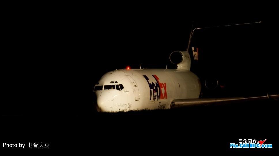 Re:Re:[原创]老徐拍飞机--白云罕见的好天 727
