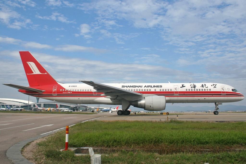 Re:[原创][CASG]蓝蓝的天空白云飘啊 BOEING 757-200 B-2850 中国广州白云机场