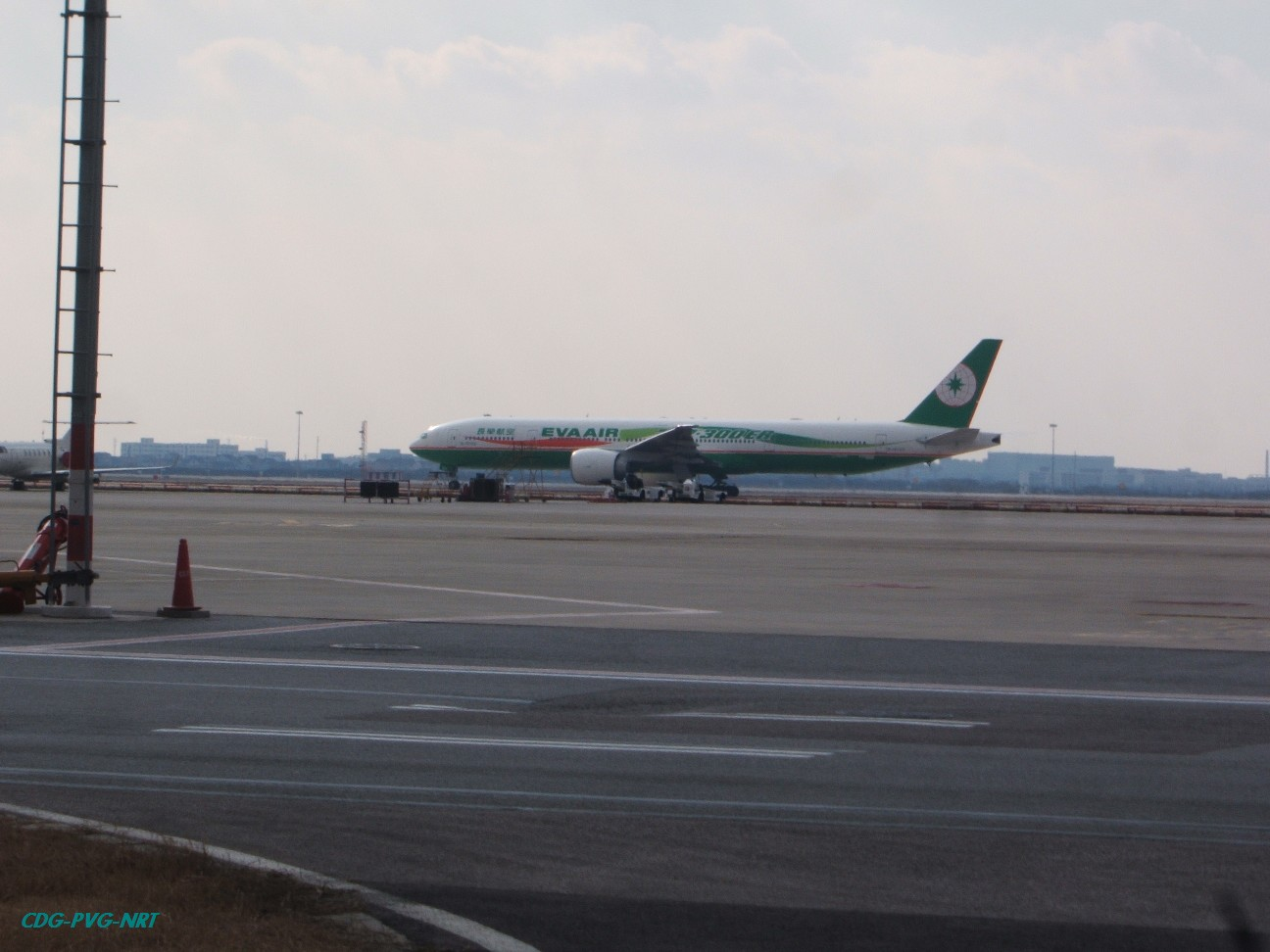 Re:新年快乐,仍然PVG BOEING 737-300ER  中国上海浦东机场
