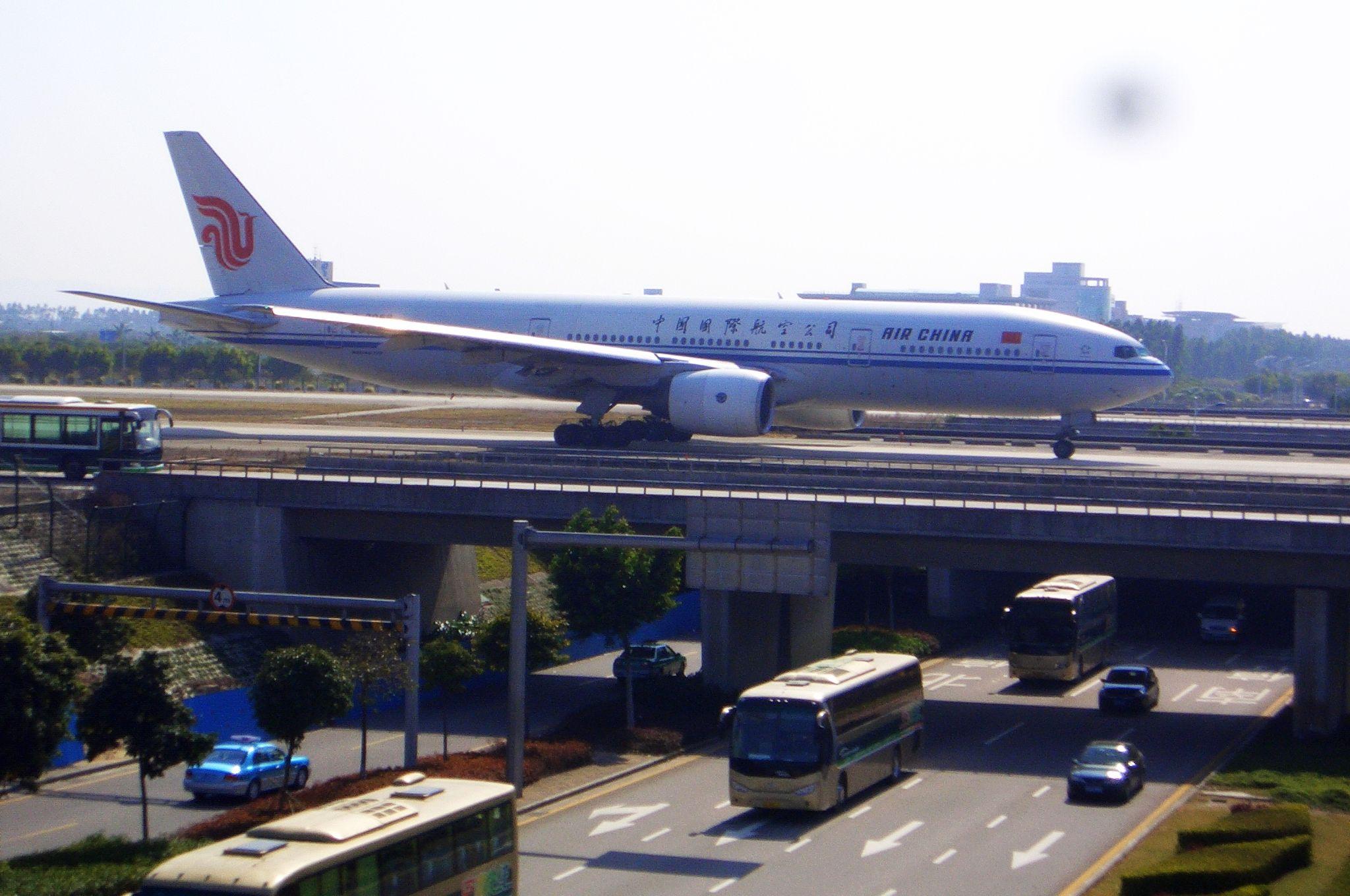 """Re:[原创]恢复信心后的第一次发帖,09年第一次活动(关键字:国航""""秀美四川""""号彩绘机) BOEING 777-200 B-2068 中国广州白云机场"""