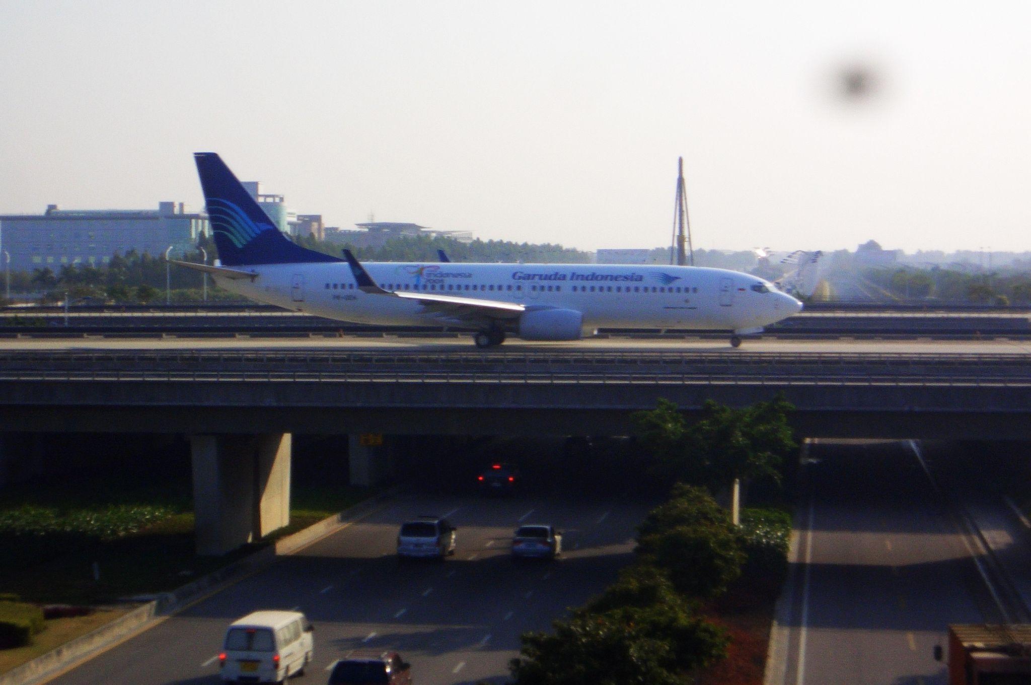Re:[原创]恢复信心后的第一次发帖,09年第一次活动 BOEING 737-800  中国广州白云机场