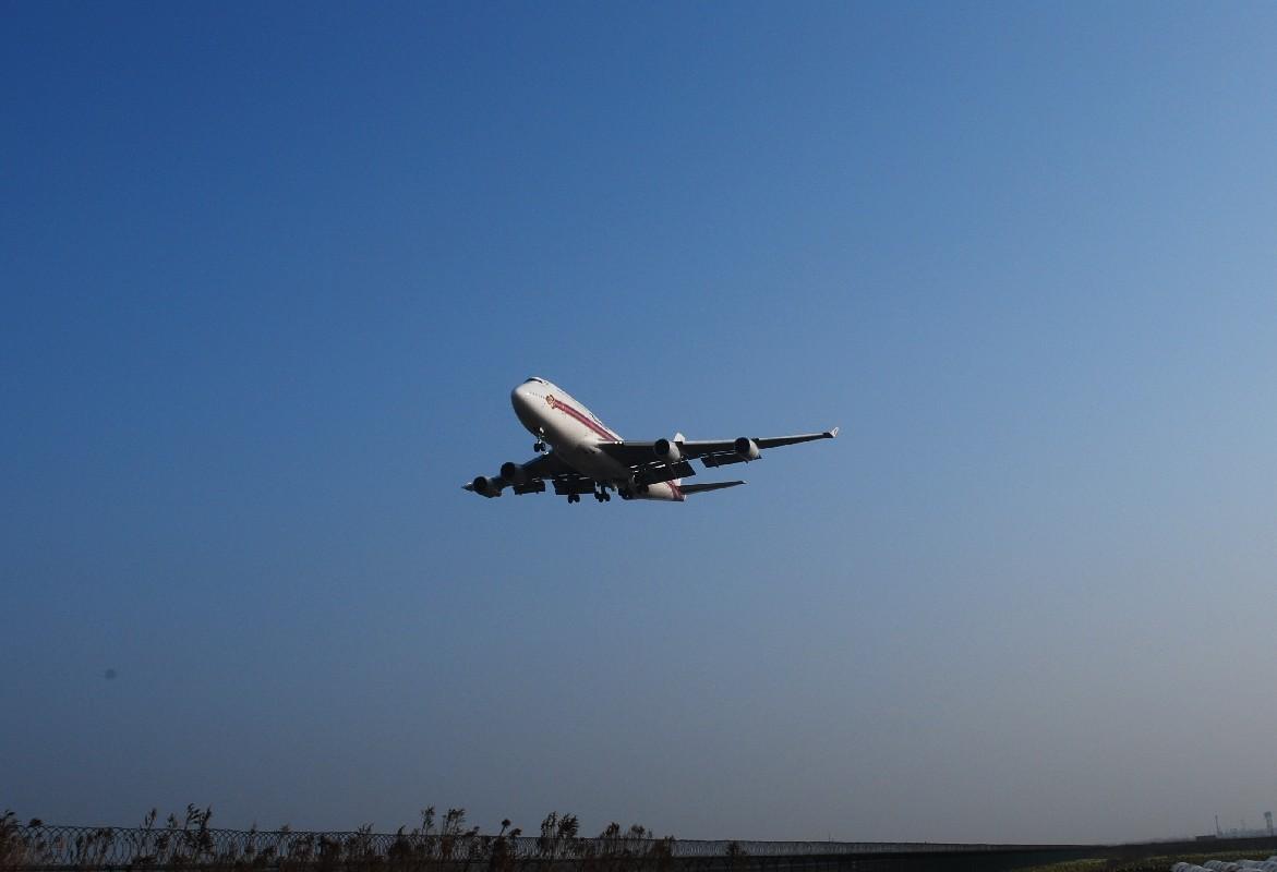 Re:[原创]时隔一个月,冒一下泡。发图90张 BOEING 747-4D7 HS-TYG 中国上海浦东机场