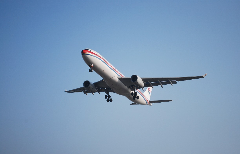 Re:[原创]时隔一个月,冒一下泡。发图90张 AIRBUS A330-343X B-6095 中国上海浦东机场