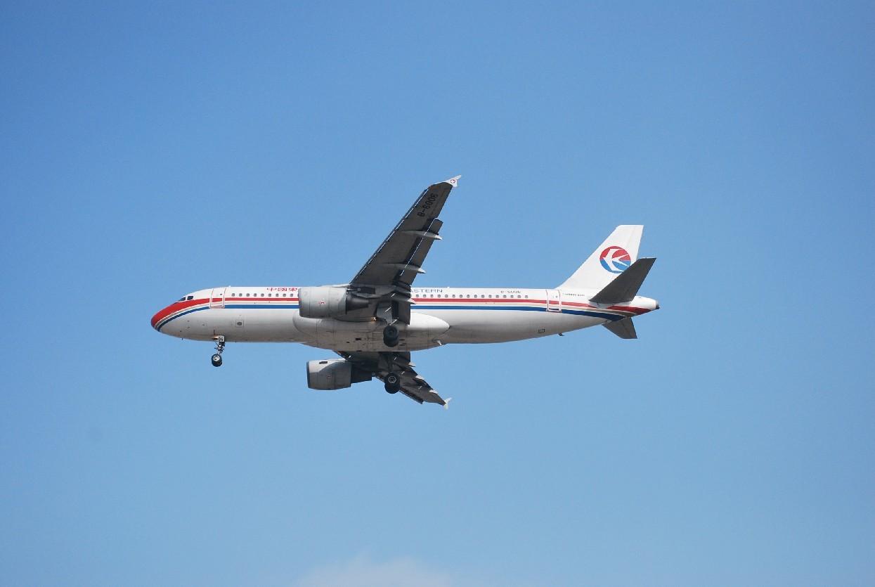 Re:[原创]时隔一个月,冒一下泡。发图90张 AIRBUS A320-200 B-6006 中国上海浦东机场