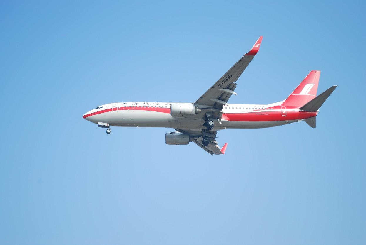 Re:[原创]时隔一个月,冒一下泡。发图90张 BOEING 737-86N B-5330 中国上海浦东机场