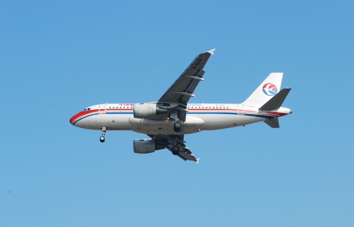 Re:[原创]时隔一个月,冒一下泡。发图90张 AIRBUS A319-115 B-6218 中国上海浦东机场