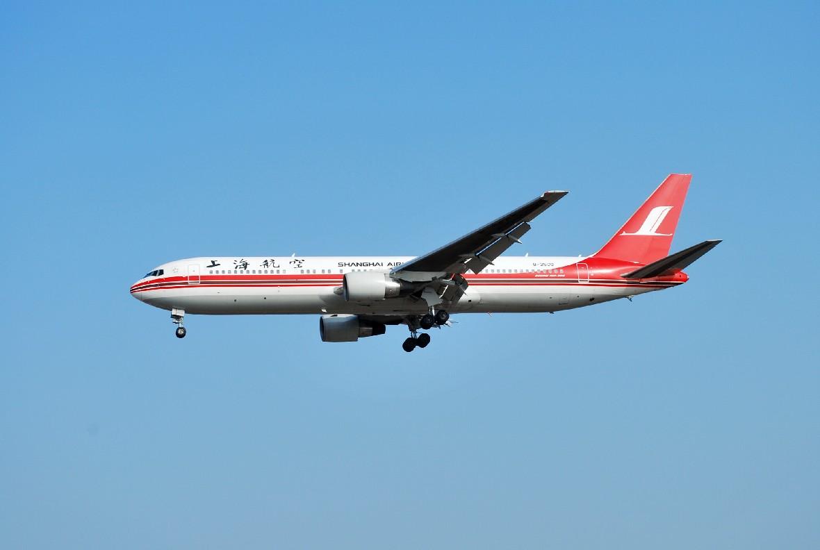 Re:[原创]时隔一个月,冒一下泡。发图90张 BOEING 767-3D6 B-2500 中国上海浦东机场