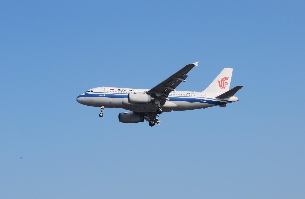 Re:[原创]时隔一个月,冒一下泡。发图90张 AIRBUS A319-132 B-6032 中国上海浦东机场