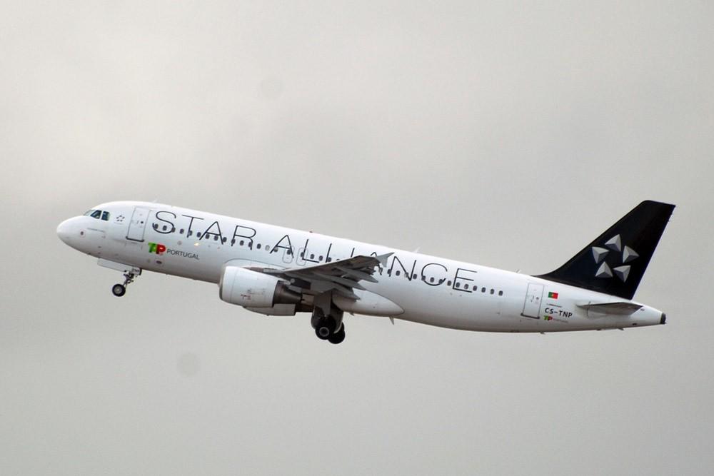 里斯本 葡航大本营 AIRBUS A320-214 CS-TNP 里斯本