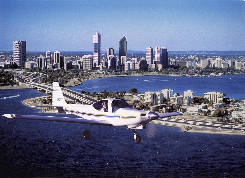 Re:[原创]南航西澳飞行学院5分钟游 GROB