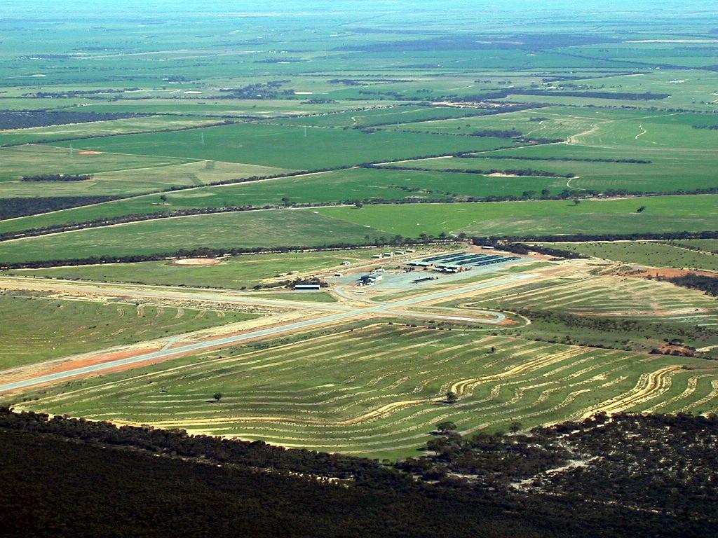 Re:[原创]南航西澳飞行学院5分钟游 P  分校机场