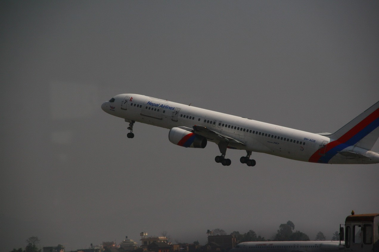 Re:[原创]游走尼泊尔,加德满都机场KTM与尼泊尔航空RA巡礼 BOEING 757 9N-ACB Nepal KATHMANDU trIBHUVAN