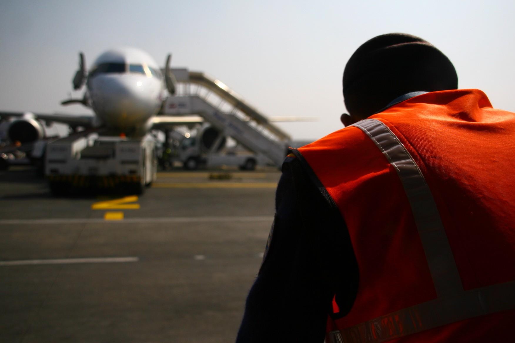 [原创]游走尼泊尔,加德满都机场KTM与尼泊尔航空RA巡礼 BOEING 757 9N-ACA Nepal KATHMANDU trIBHUVAN