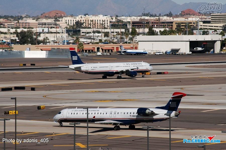 Re:[原创]塔台的兄弟喜欢拍哥俩好系列,我也拍美版哥俩好。 BOMBARDIER CL600-2D24 N923FJ Phoenix Sky Harbor International Airport
