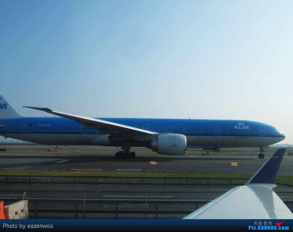 Re:[原创]在JFK的等待中拍机... BOEING 777-300  United States NEW YORK NY/NEWARK K