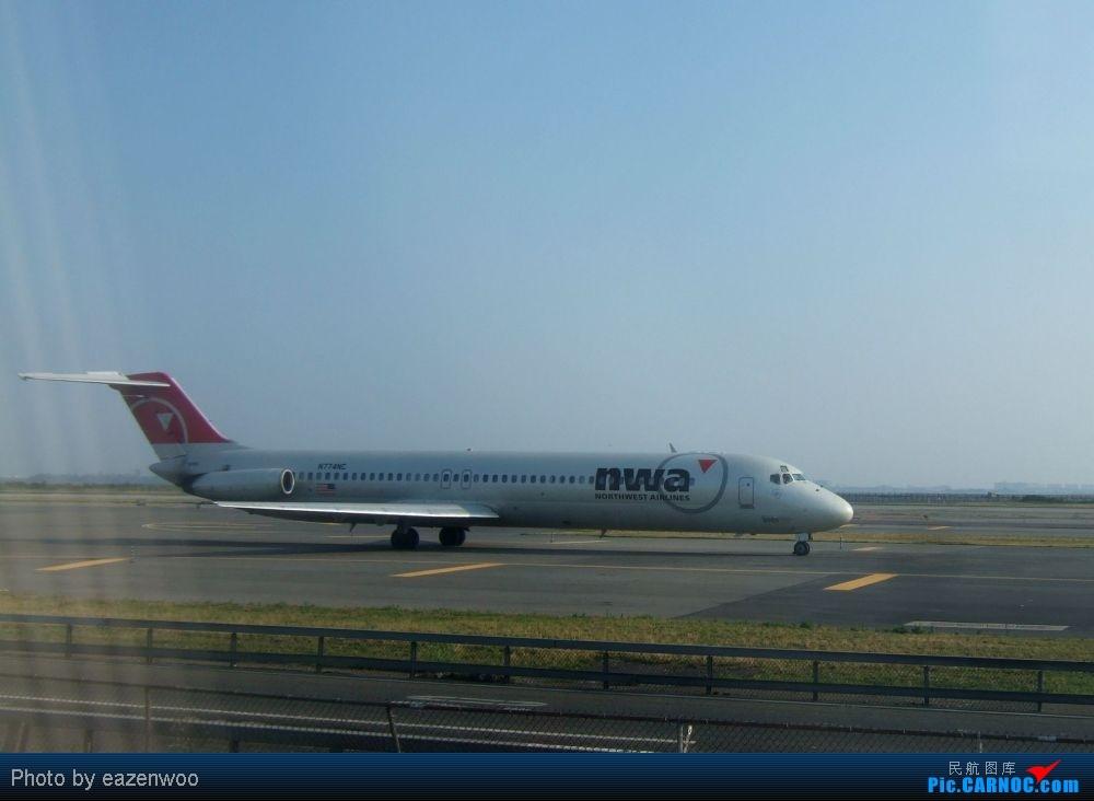 Re:[原创]在JFK的等待中拍机... MCDONNELL DOUGLAS MD-82  United States NEW YORK NY/NEWARK K