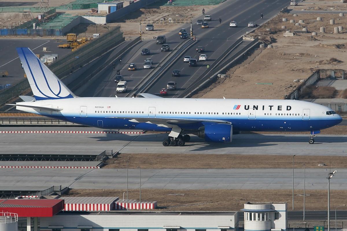 Re:[原创]【CASG】遵照HDZHOU老大的命令,20张图完成本月的任务^_^ BOEING 777-200ER N219UA 中国北京首都机场