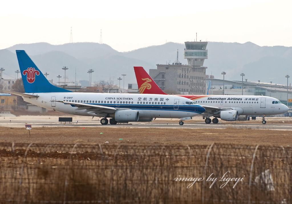 Re:[原创]飞机图片可否这样拍?烟台归来没图可发了...附带海上拍的飞机和冷饭 BOEING 737-700 B-2917 中国大连周水子机场