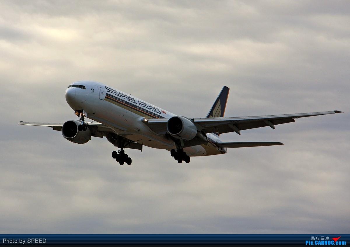 穿越迷雾 BOEING 777-200 9V-SQH PEK