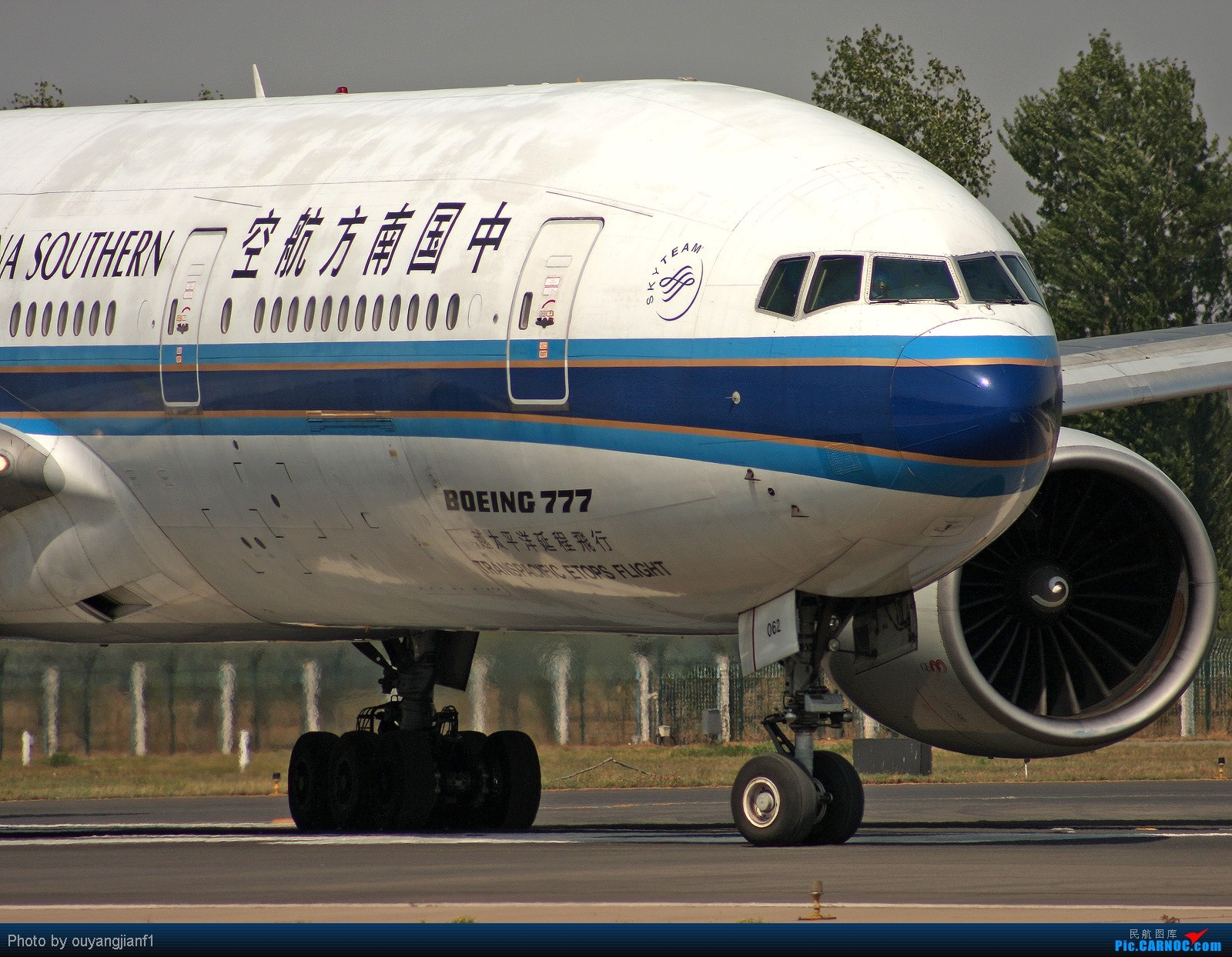 Re:[原创]快有一年没去西跑道了,拍机的感觉已逐渐淡忘,但是只要心中有梦,手中有单反,一切皆有可能! BOEING 777-200ER B-2062 北京