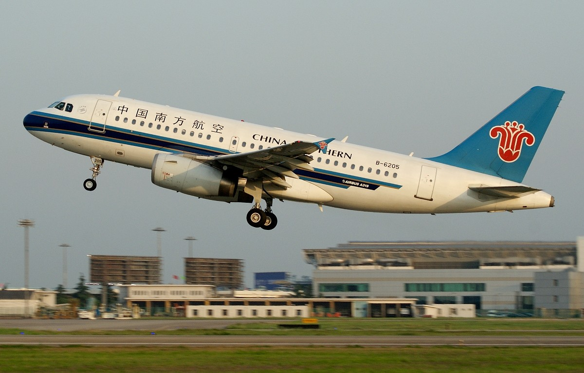 南航319,可爱且美丽。 AIRBUS A319-100 B-6205 中国南京禄口机场