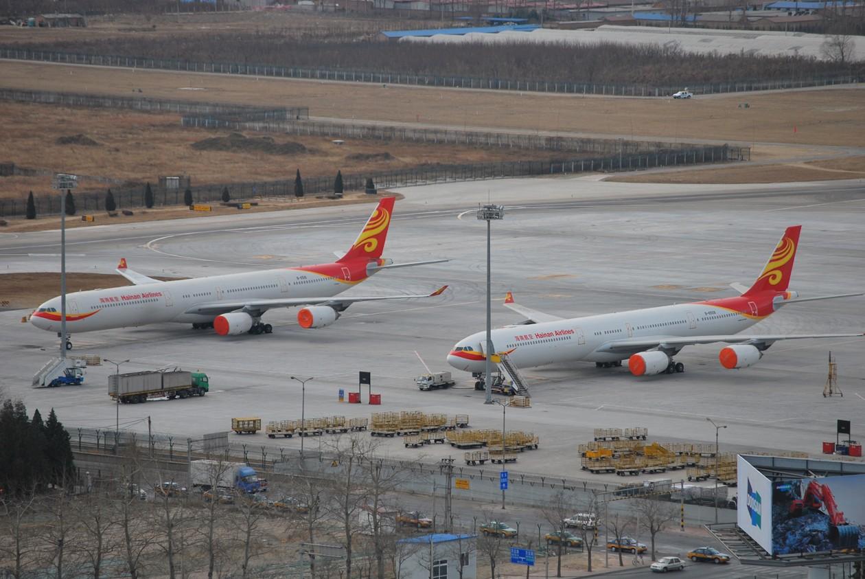 Re:[原创]首都机场同一个镜头里出现两架346,这个可以有 AIRBUS A340-600 B-6510 中国北京首都机场