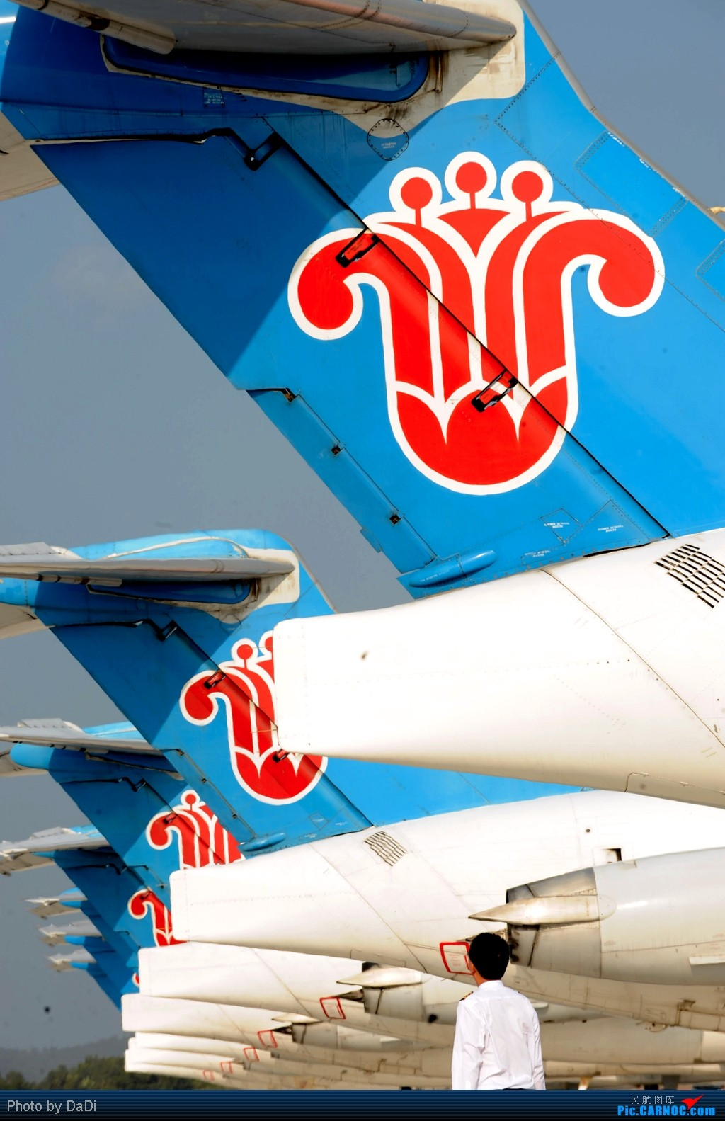 Re:[原创]首都机场同一个镜头里出现两架346,这个可以有