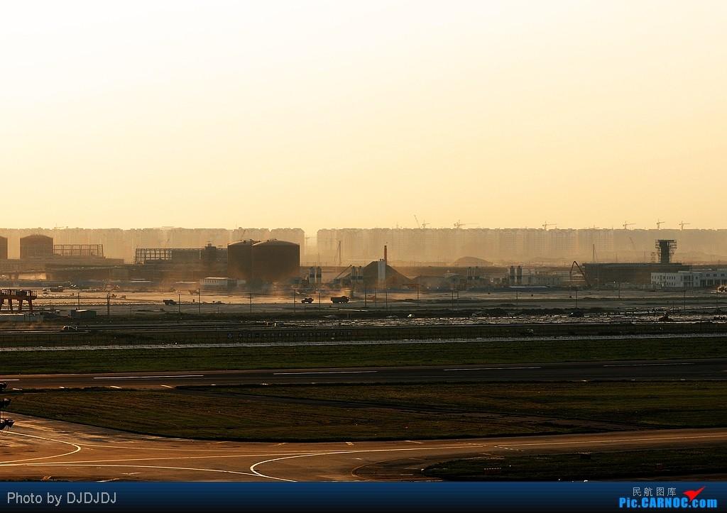 Re:[原创]纪念我在C网2岁了。再次准备35组飞机真情回馈前35名飞友。    中国上海虹桥机场