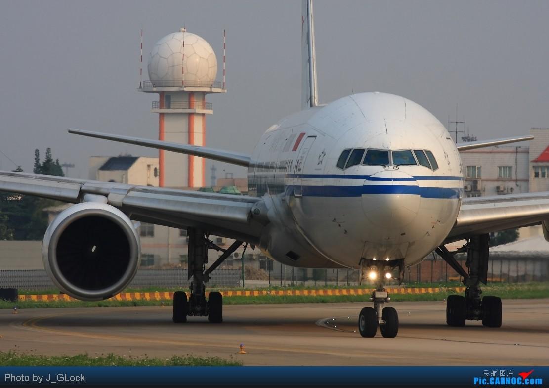 Re:[原创]★ 看一次 少一次 的位置 ★ BOEING 777-200 B-2063 中国上海虹桥机场