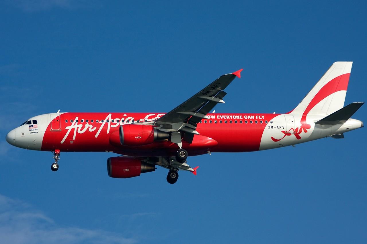 Re:[原创]没有主题,杂图一大堆(内附新航空姐照片) AIRBUS A320 9M-AFV Singapore SINGAPORE CHANGI
