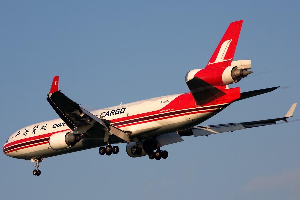 Re:[原创]没有主题,杂图一大堆(内附新航空姐照片) MCDONNELL DOUGLAS MD-11 B-2178 Singapore SINGAPORE CHANGI