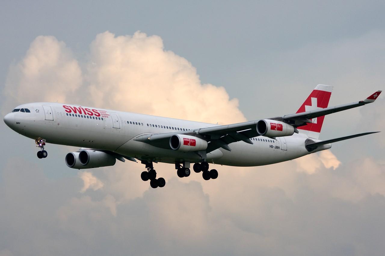 Re:[原创]没有主题,杂图一大堆(内附新航空姐照片) AIRBUS A340-300 HB-JMH Singapore SINGAPORE CHANGI