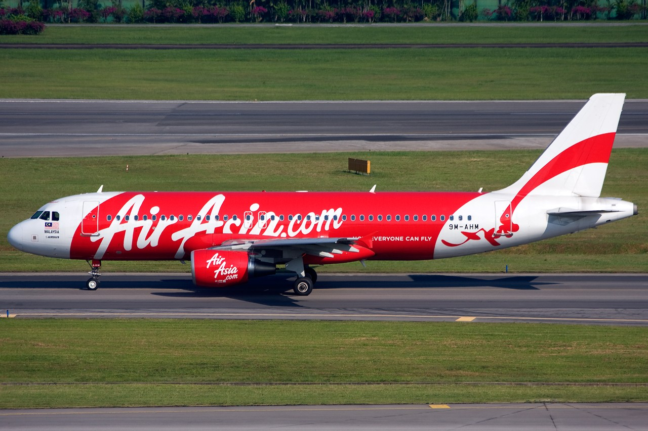 Re:[原创]没有主题,杂图一大堆(内附新航空姐照片) AIRBUS A320 9M-AHM Singapore SINGAPORE CHANGI