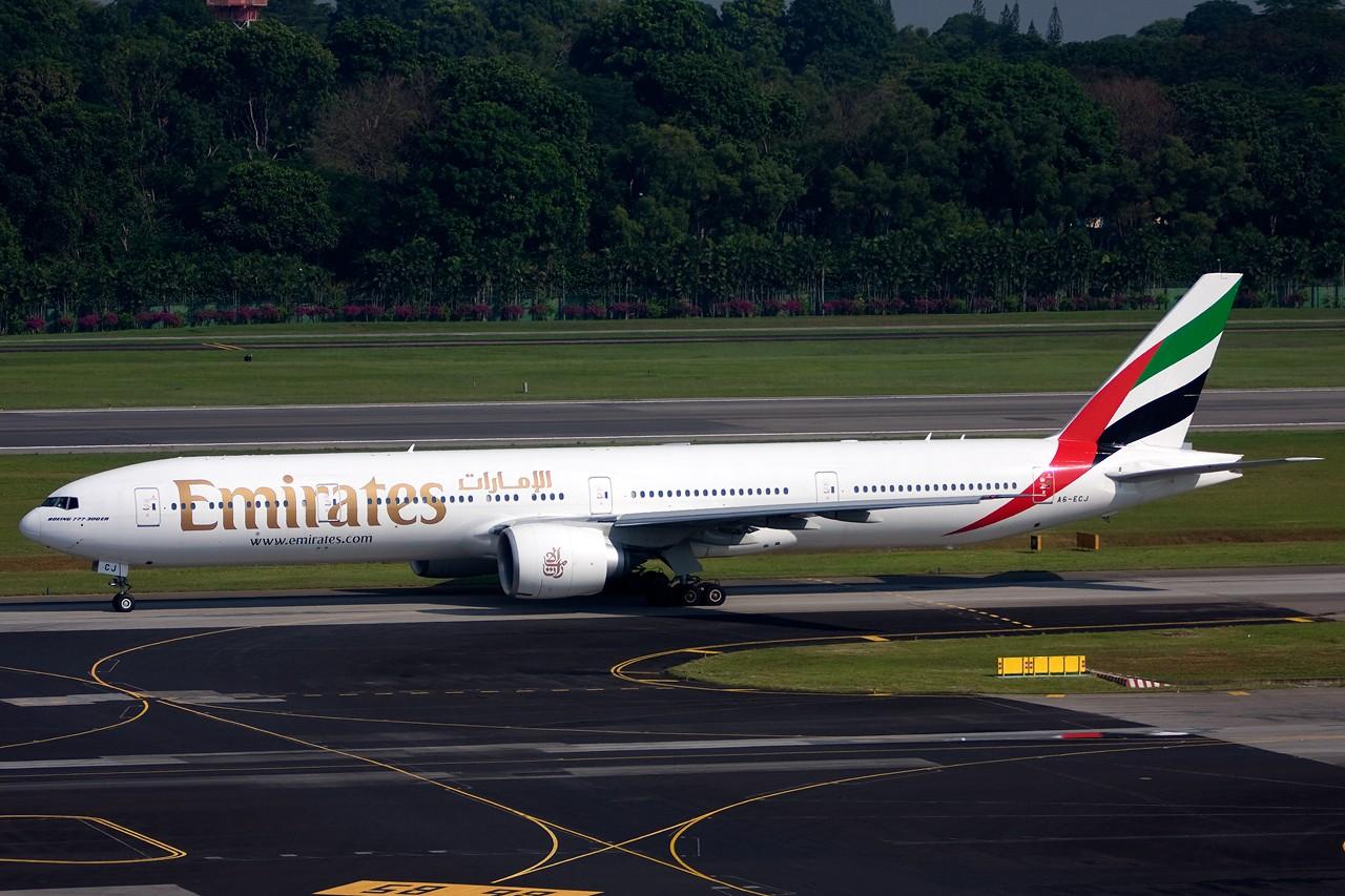 Re:没有主题,杂图一大堆(内附新航空姐照片) BOEING B777-300ER A6-ECJ Singapore SINGAPORE CHANGI