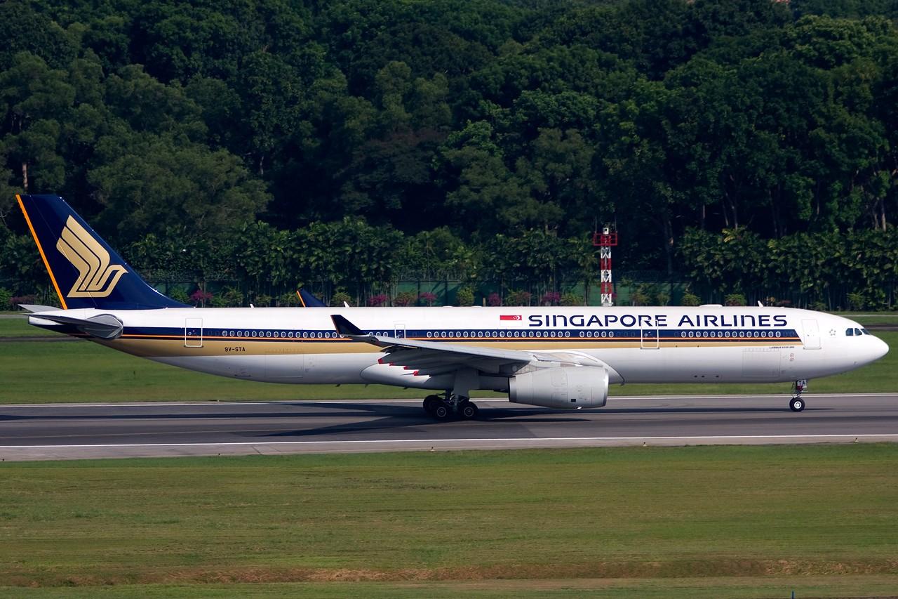 Re:[原创]没有主题,杂图一大堆(内附新航空姐照片) AIRBUS A330-300 9V-STA Singapore SINGAPORE CHANGI