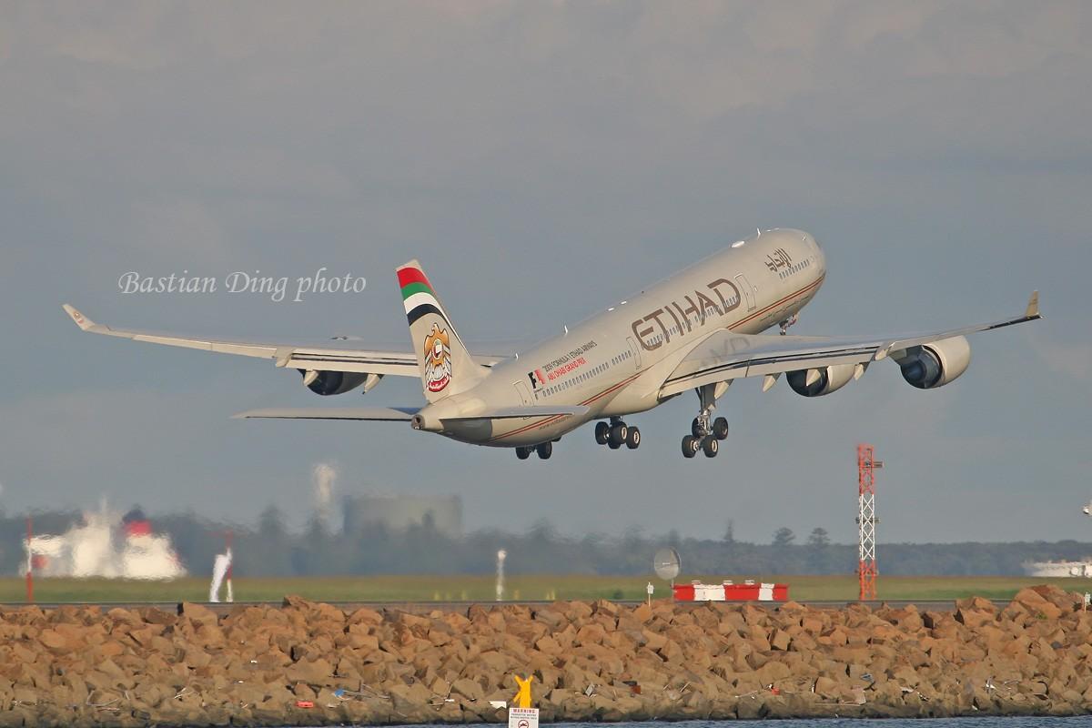 Re:[原创]【CASG】夏天到了,拍飞机的黄金时间到了,好飞机也到了~~ AIRBUS A340-500  Australia SYDNEY KINGSFORD