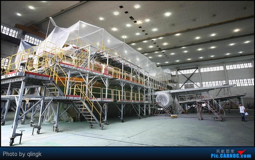 Re:[原创]东航第二架世博号,抢先亮相,快看,还没出机库 A321-200 B-2290 上海虹桥机场