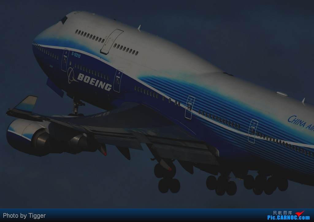 Re:[原创]【台北飛友會】桃園機場 BOEING 747-409 B-18210 RCTP