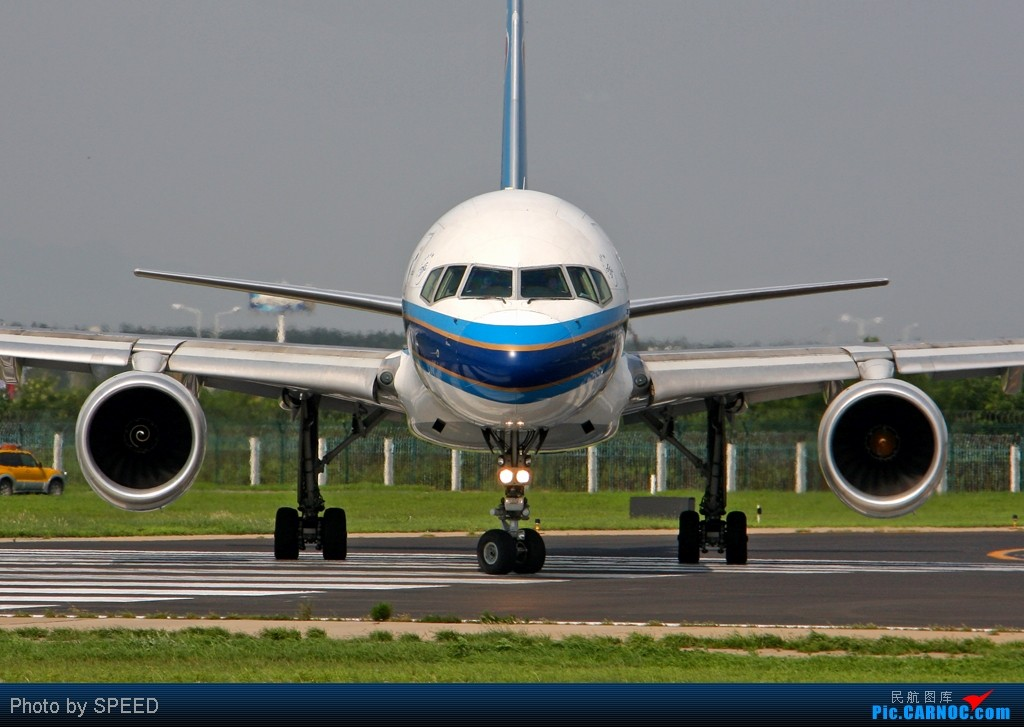 Re:[原创]18R-波音系列全大头 BOEING 757-200 B-2830 中国北京首都机场