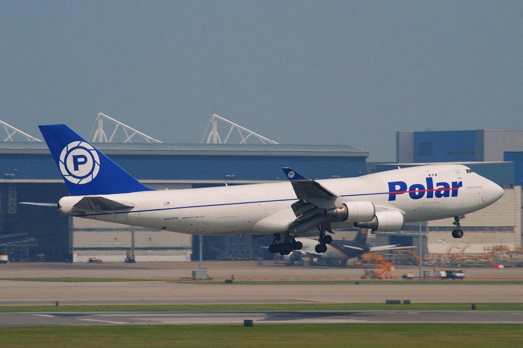 [原创]刚刚从香港机场回来!首次在沙螺湾拍机。刚回来,挺累的,修了几张便即刻发了上来! BOEING 747-46NF(SCD) N450PA 中国香港赤鱲角国际机场