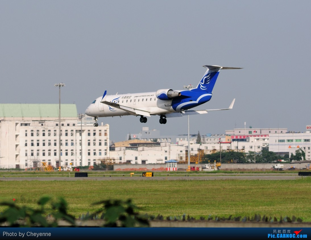 Re:[原创]晴空万里贺佳节,婵娟金凤舞双流! BOMBARDIER (CANADAIR) CRJ-200ER B-3012 中国成都双流机场