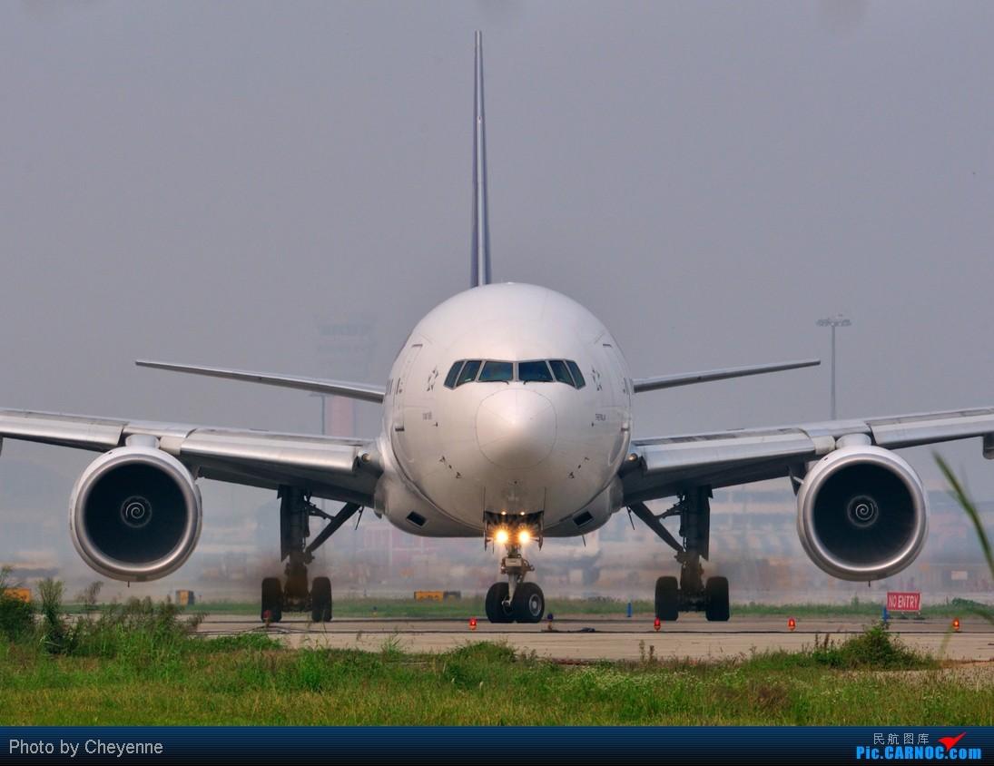 Re:[原创]晴空万里贺佳节,婵娟金凤舞双流! BOEING 777-200 HS-TKD 中国成都双流机场