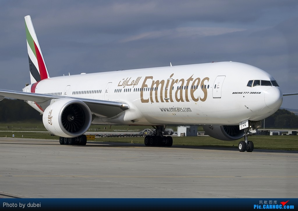 Re:[原创]出来冒个泡,大家好啊 - 苏黎世机场的一些照片 BOEING 777-300 A6-ECE