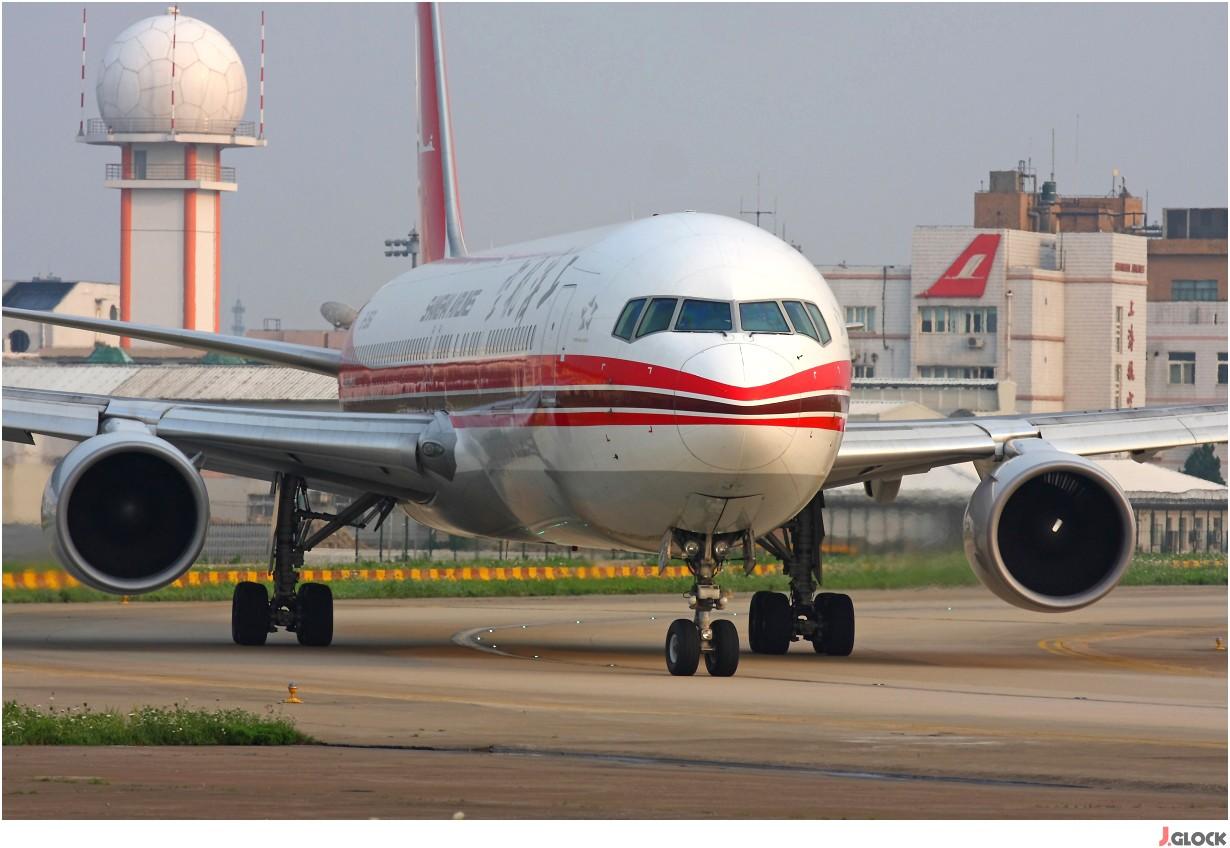 Re:[原创]【 ♠ J 】 【SHA】 藏了 120天的照片  回味虹桥18头带来的震撼距离 !! BOEING 767-300 B-2566 中国上海虹桥机场